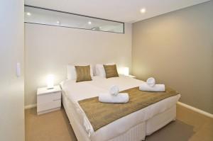 2 Dunn Bay Apartments 3