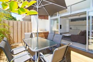 2 Dunn Bay Apartments 5